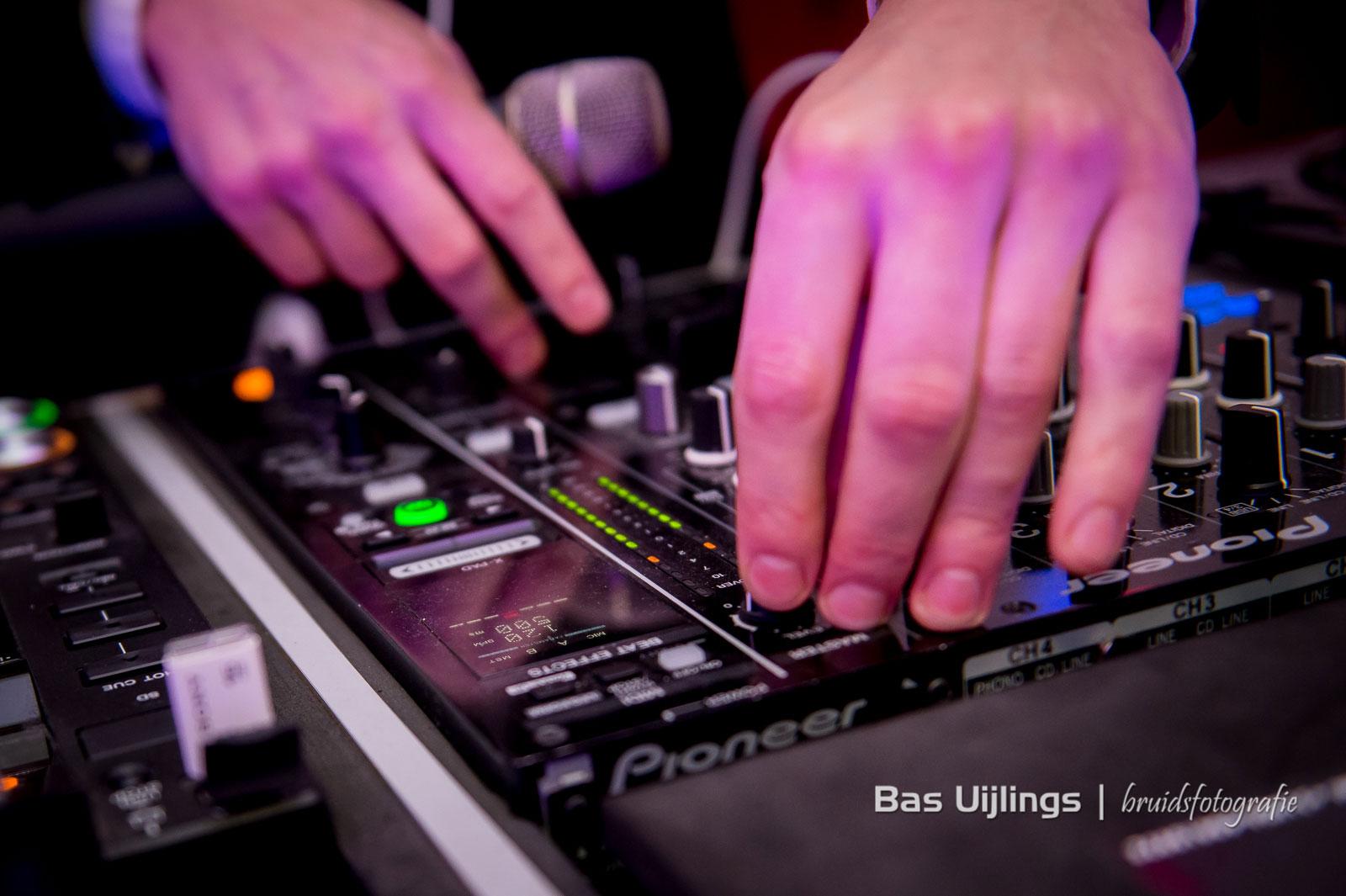 FloorJaxx – DJ, Saxofonist, Zangeres en Percussionist